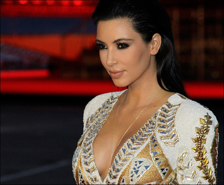 IS KANYE WEST RESPONSIBLE FOR UPGRADING KIM KARDASHIAN ... Kim Kardashian 2013 October